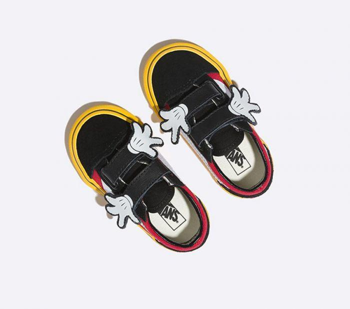9e44d6ba77 Shop Vans OLD SKOOL V DISNEY MICKEY HUGS