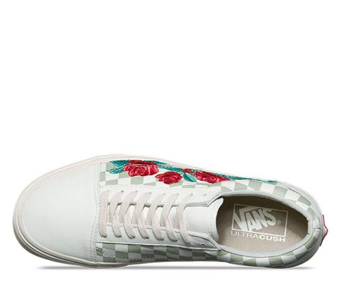 a92a75018943e5 Shop Vans OLD SKOOL DX (ROSE EMBROIDERY)